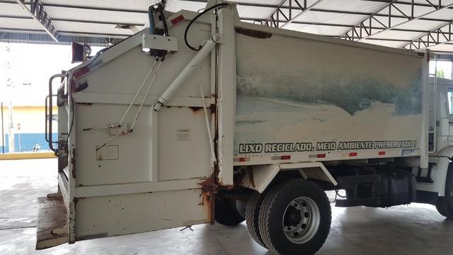 Compactador de lixo 2009 12 mts