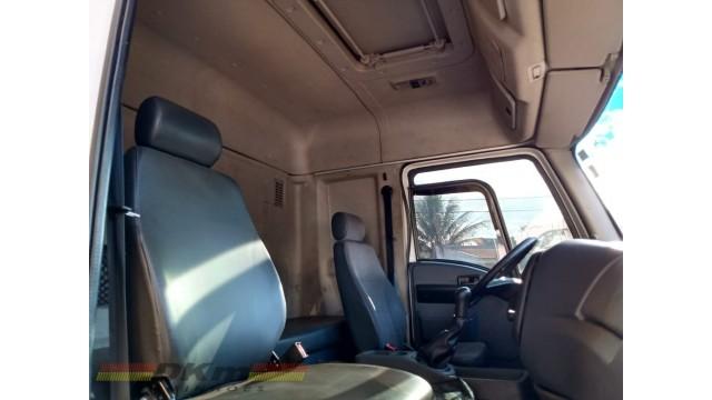 Cargo 1723 L 4x2 2013 completo no chassi