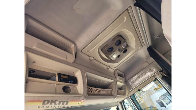 Iveco daily  170 HD ano 2013 com baú refrigerado