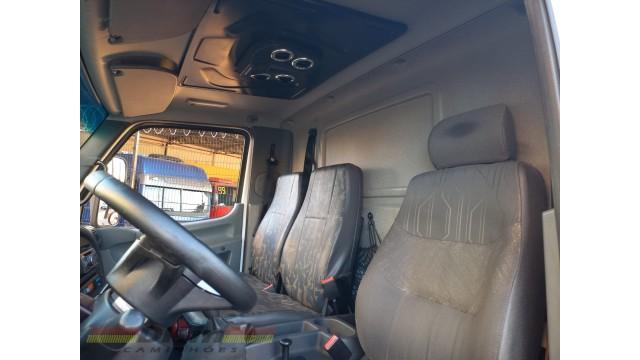Axor 2540 ano 2010 completo 6x2 manual