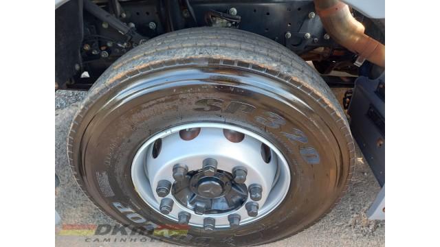 Axor 1933 ano 2006 truck 6x2 caçamba 12 m3