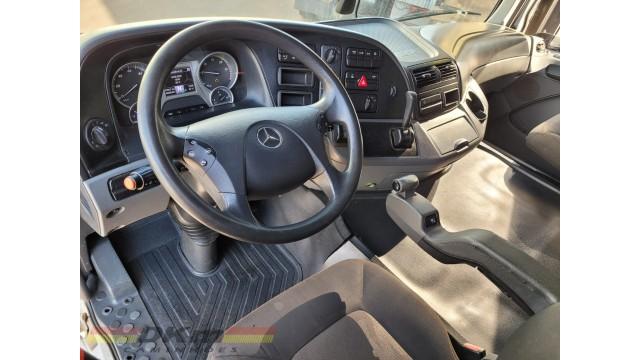 Atego 2428 ano 2011 bitruck 8x2 com tanque de 22 mil lt.