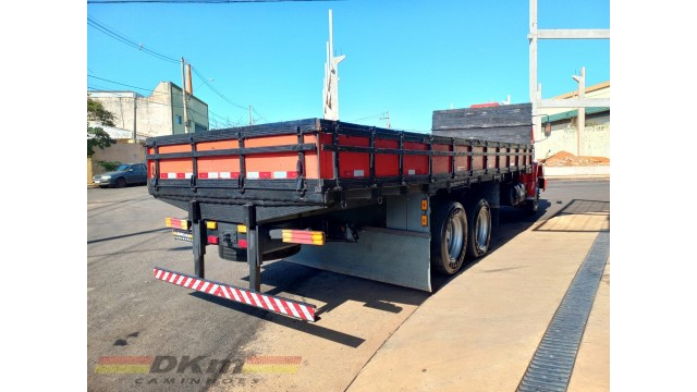 MB 1620 ano 2001 no chassi 6x2