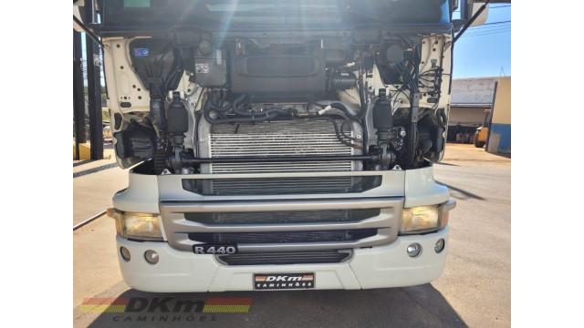 Scania 124 G 360 ano 2003 ar cond e retarder 6x2