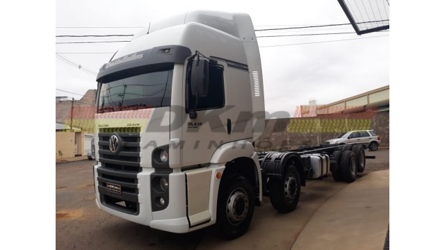 VW 25420 Vtronic 8x2 ano 2014 automatico completo