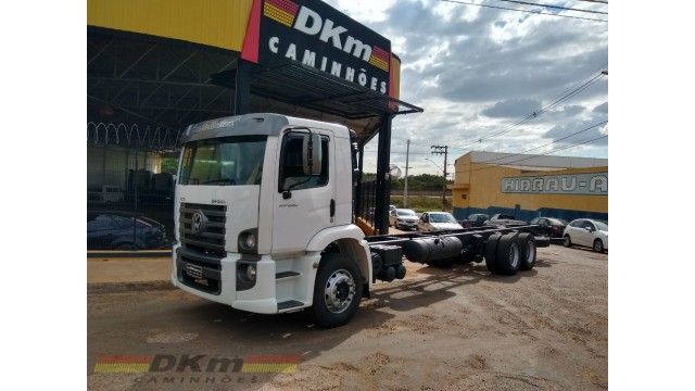 VW 24250 constellation 2007 truck 6x2