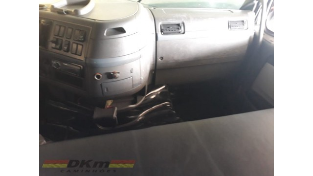 FH 440 ano 2008 6x2T câmbio manual